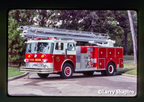 Oak Brook FD Engine 912, a custom Peter Pirsch pumper with a 50' Boardman Readi-Tower aerial #larryshapiro