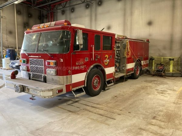 2001 Pierce saber fire engine for sale