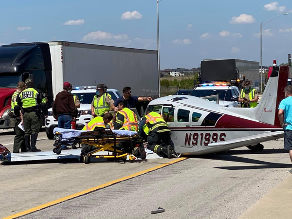 Small plane lands on I355 SB near Route 6 in New Lenox, IL 5/13/21
