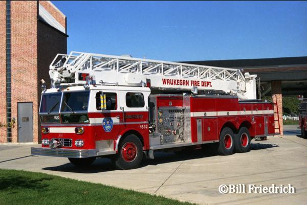 vintage Ward LaFrance/LTI aerial ladder truck in Waukegan IL