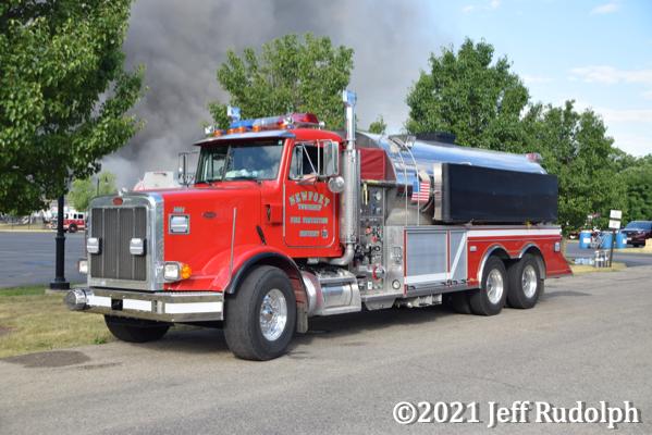 Newport Township FPD Tanker 1464