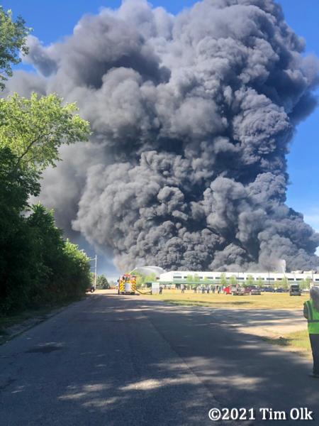 massive black smoke from chemical fire in Rockton IL