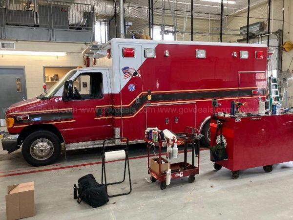 2006 Ford Econoline E-450 ambulance for sale