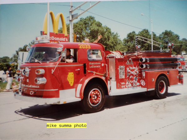 Vintage American LaFrance fire engine in Alsip, I