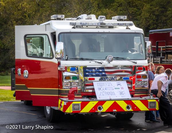 New Rosenbauer Commander fire engine delivered to the Lemont FPD in I