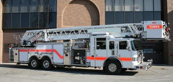 2002 Pierce Dash 100' Platform aerial fire truck