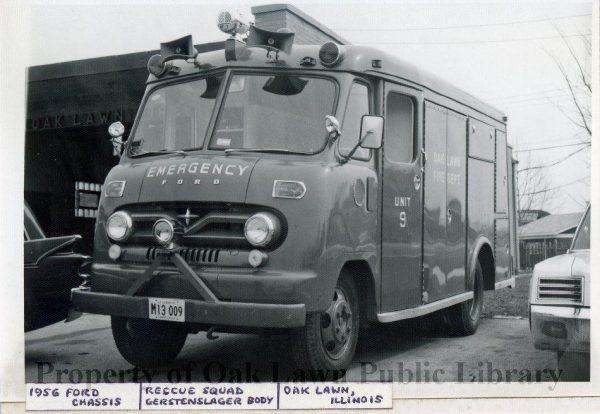 vintage fire truck in Oak Lawn IL