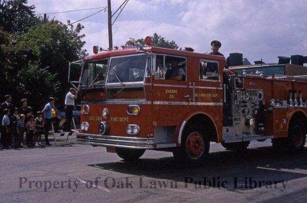 vintage Ward LaFrance fire truck in Oak Lawn IL