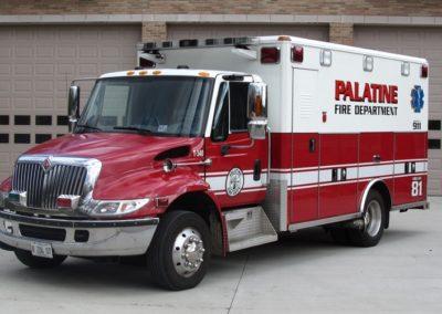 Palatine Ambulance 81 - 2004 IHC 4700/Wheeled Coach Type I