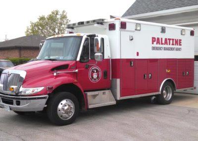 Palatine Rehab 84 - 2003 IHC 7400 / Wheeled Coach (PEMA; X-A84)