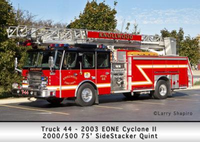 Knollwood FD Truck 44 2003 E-ONE Cyclone II 75' sidestacker quint 2000-500