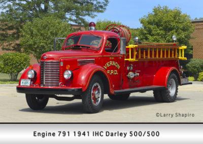 Lincolnshire-Riverwoods FPD Engine 791 - 1941 IHC/Darley 500/500