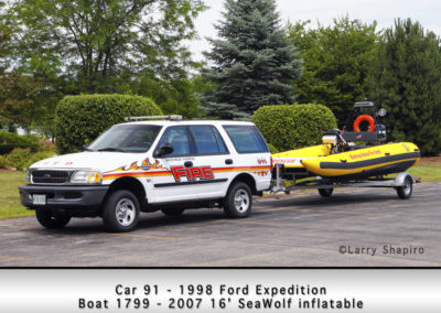 Winthrop Harbor Car 91 - 1998 Ford Expedition and Boat 1799 - 2007 16' Sea Wolf inflatable
